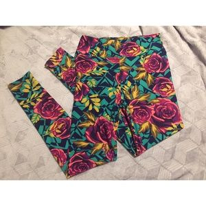 LulaRoe Leggings With Roses